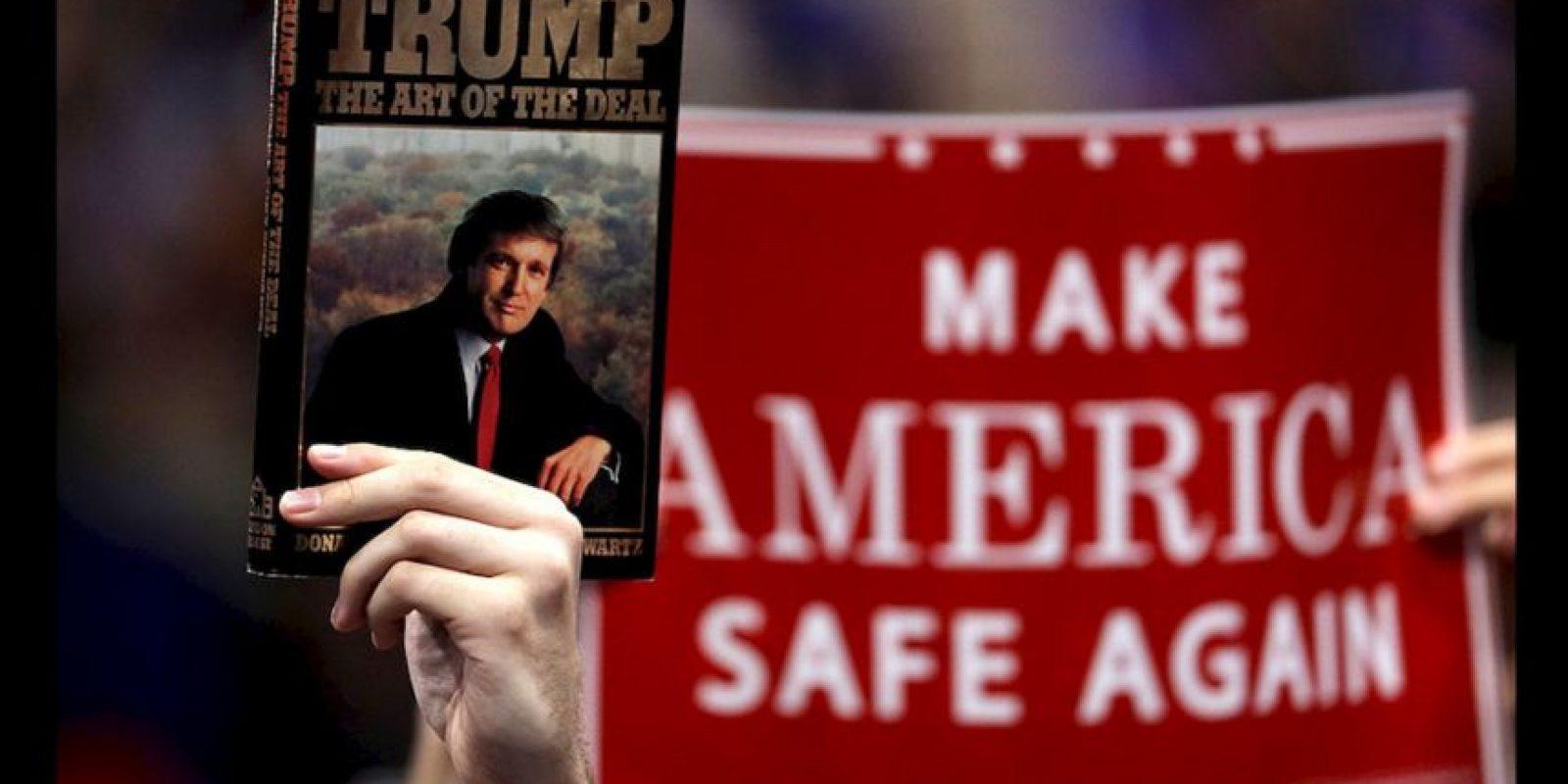 El proyecto incluye la controversial propuesta del virtual candidato presidencial, Donald Trump, de construir un gran muro en la frontera que divide a México y Estados Unidos. Foto:AP