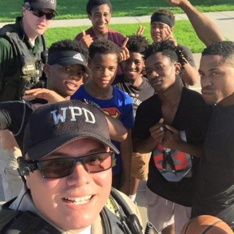 """Las fotos del """"picnic"""" fueron difundidas por la Policía de Wichita en redes sociales Foto:Facebook.com/WichitaPolice"""