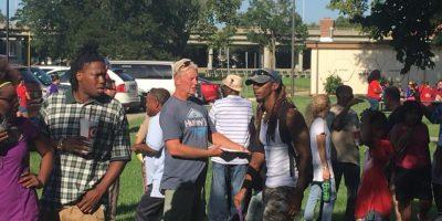 Gordon Ramsay, jefe del departamento, retó a otros departamentos de policía a hacer lo mismo Foto:Facebook.com/WichitaPolice