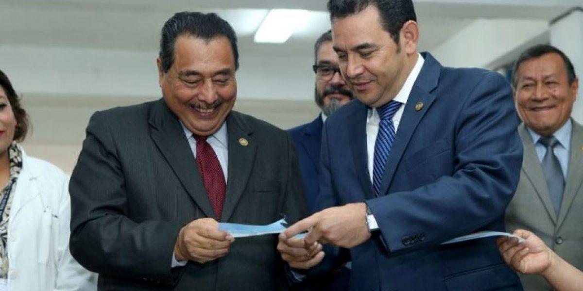 Después de seis meses como ministro de Salud, Alfonso Cabrera, renuncia
