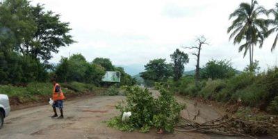 ¿Peaje o colaboración? Denuncian cobro al pasar por una carretera de Jutiapa