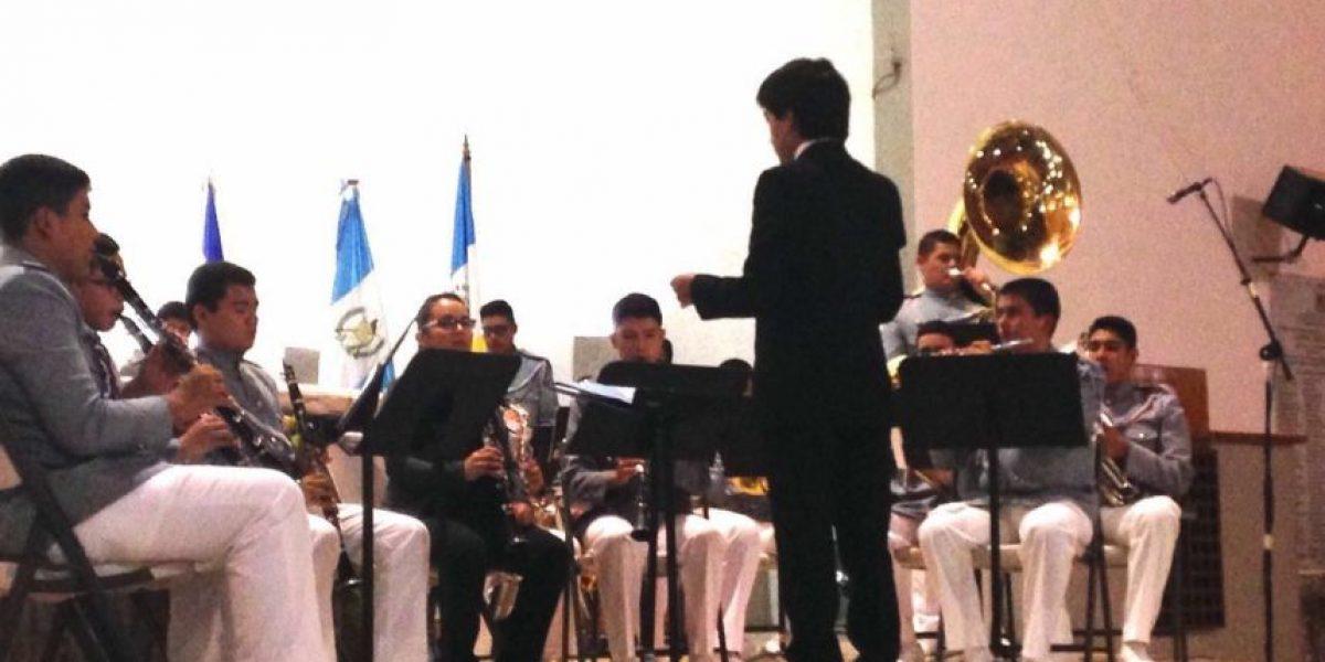 Jóvenes guatemaltecos se lucen con marchas de Banda Marcial en Nicaragua
