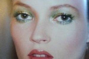 Kate Moss en uno de sus looks noventeros. Foto:vía Getty Images