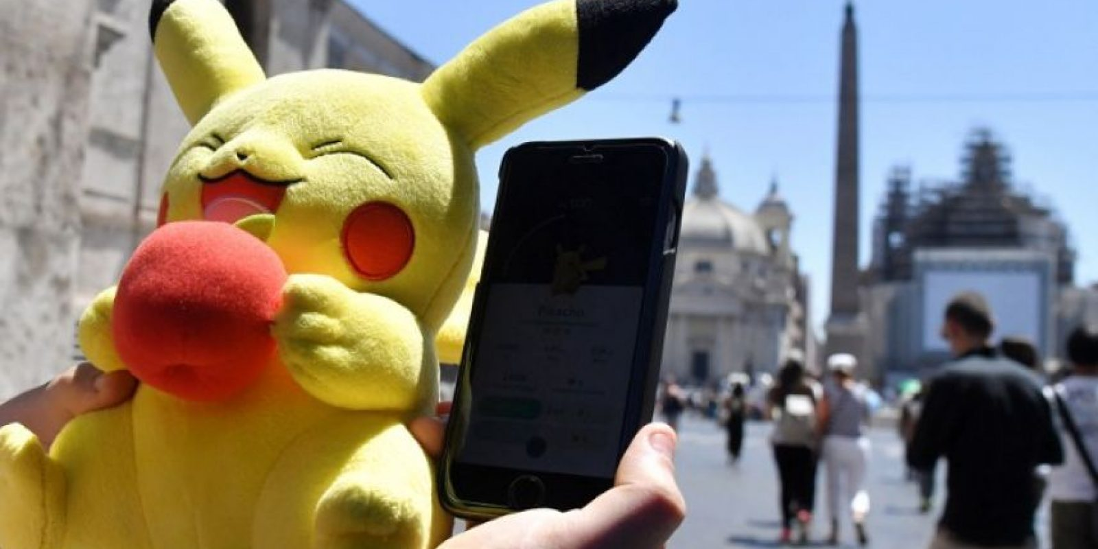 Seguramente han notado que, aunque el juego no aparece todavía en la App Store o Play Store, una gran cantidad de latinos ya lo disfrutan. Foto:AFP