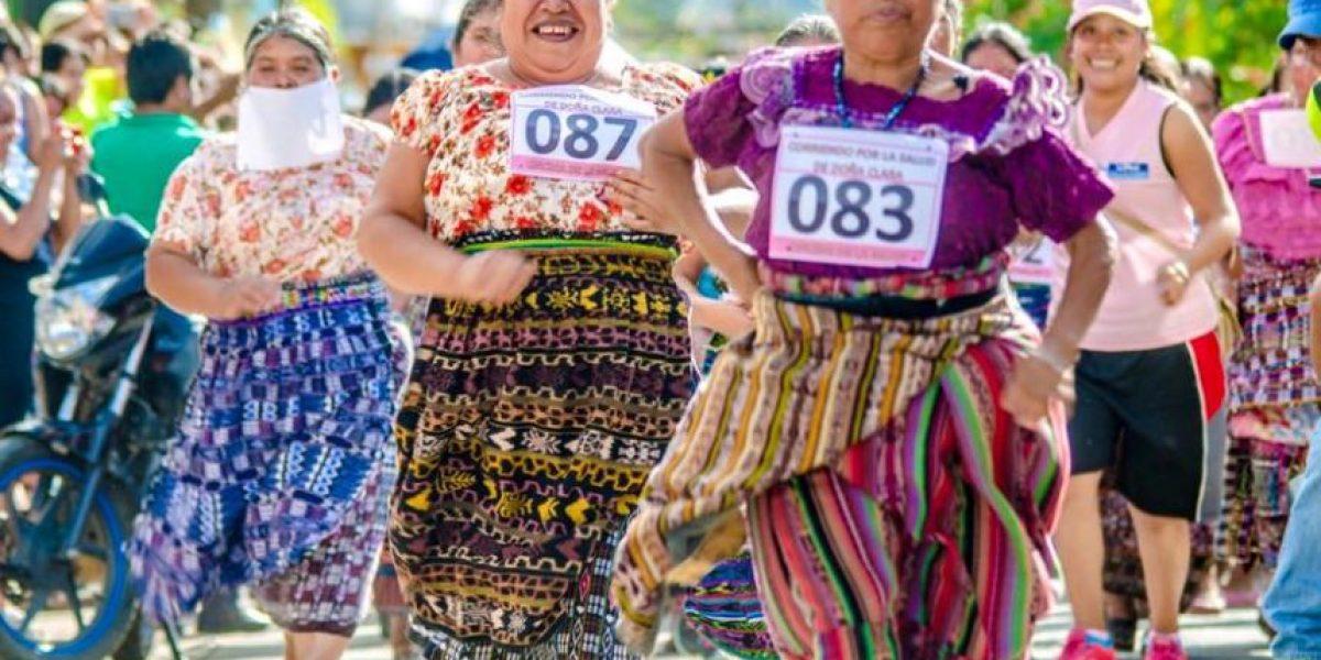 Mujeres rompen paradigmas con carrera en San Juan La Laguna