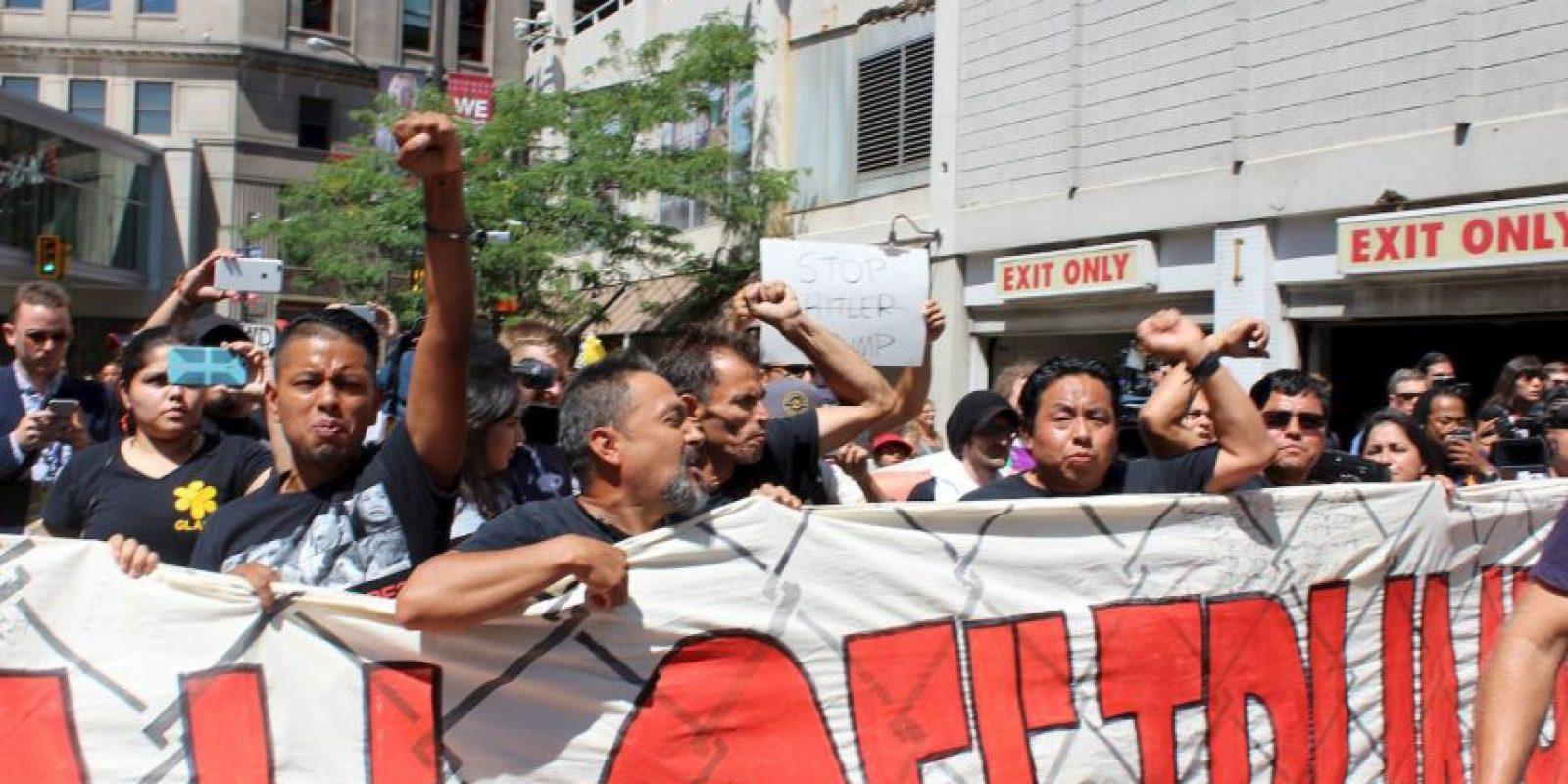 """La protesta fue convocada por la organización """"Mi Gente"""". Foto:Publimetro"""