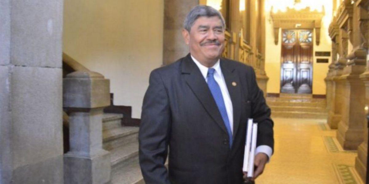 Carlos Mencos visitaba la oficina de Juan Carlos Monzón, revela juez Gálvez