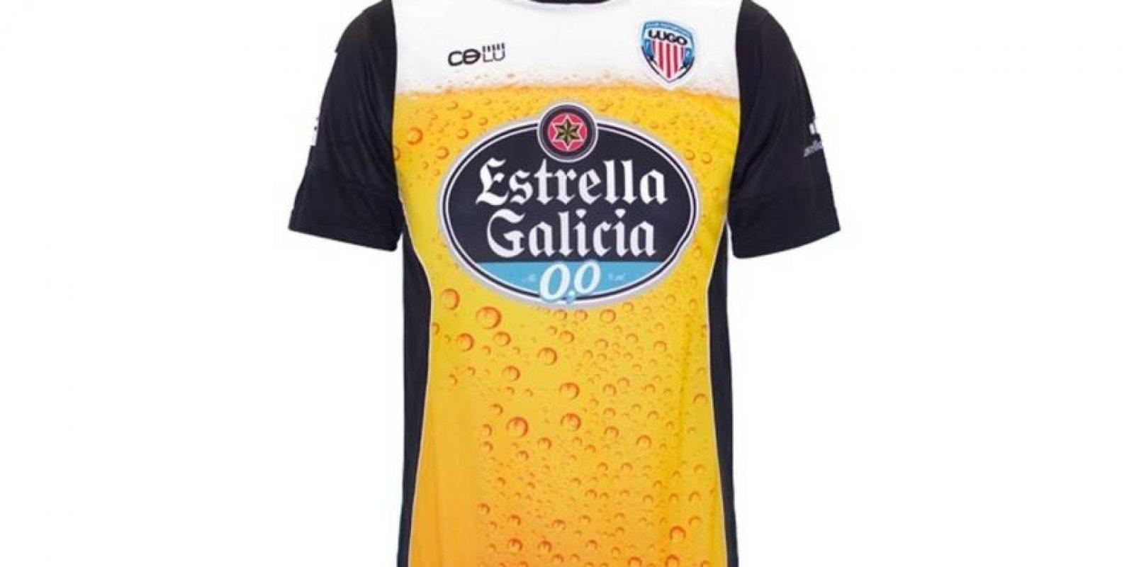 """El CD Lugo de España y su camiseta """"de cerveza"""". Foto:cdlustore.com"""