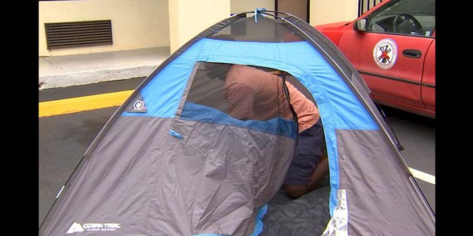 Al verse sin hogar, Barley instaló una casa de campaña cerca del campus de la institución Gordon State College para esperar a que comenzara el segundo semestre de clases. Foto:Reproducción WSB-TV ATLANTA