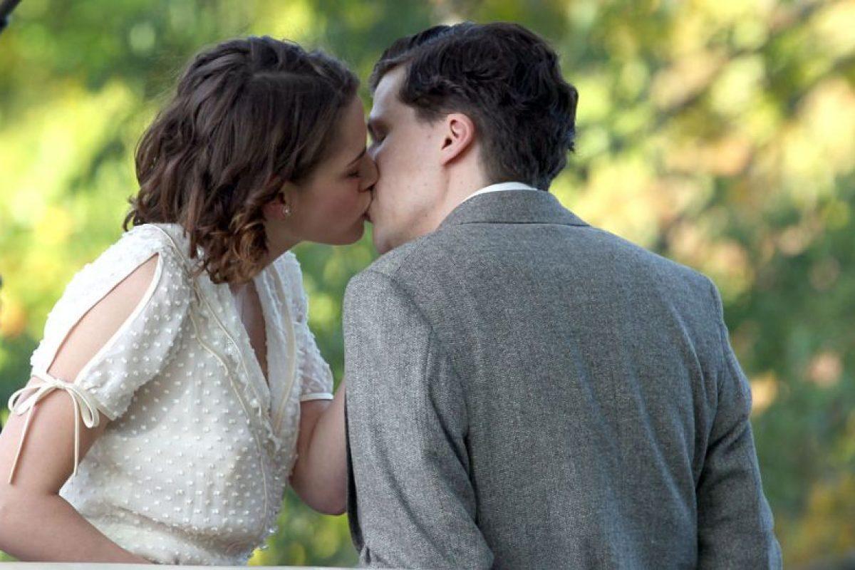 El personaje de Stewart debe elegir entre un joven y su tío, un magnate del cine. Foto:Getty Images