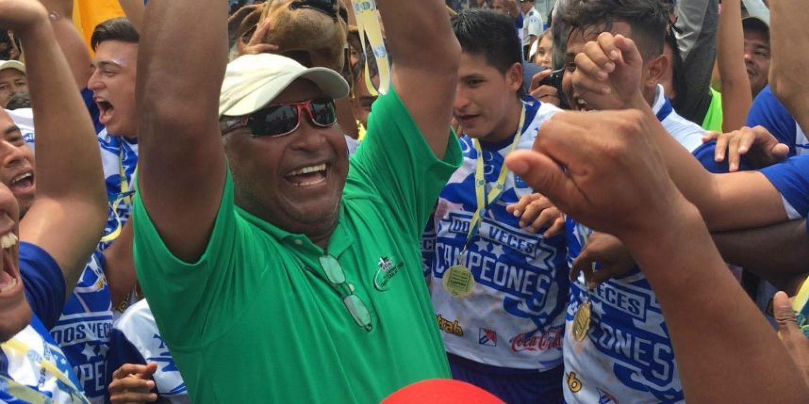 El técnico que logró el cetro del Clausura 2016 con los venados fue cesado de su cargo. Foto:Publinews