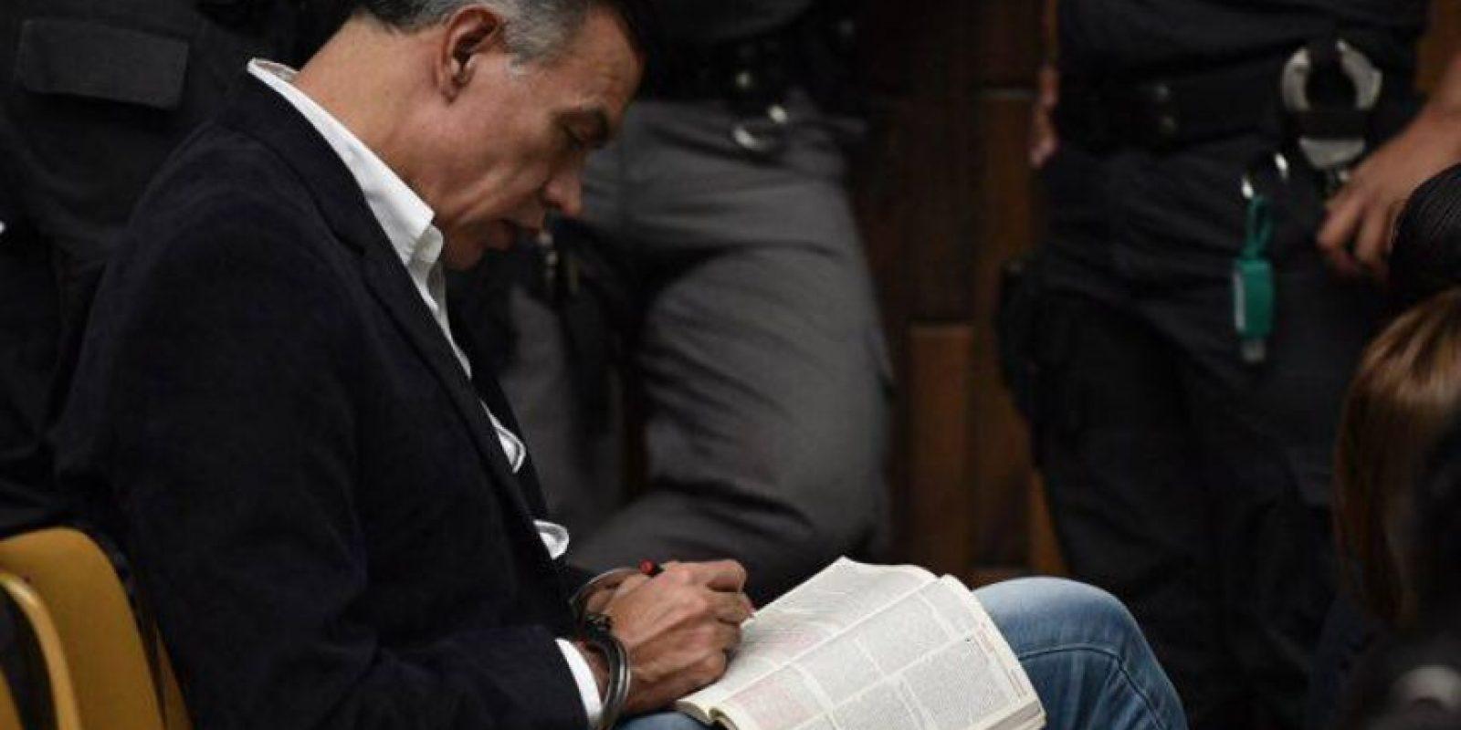 Juan de Dios Rodríguez lee la Biblia Foto:Publinews