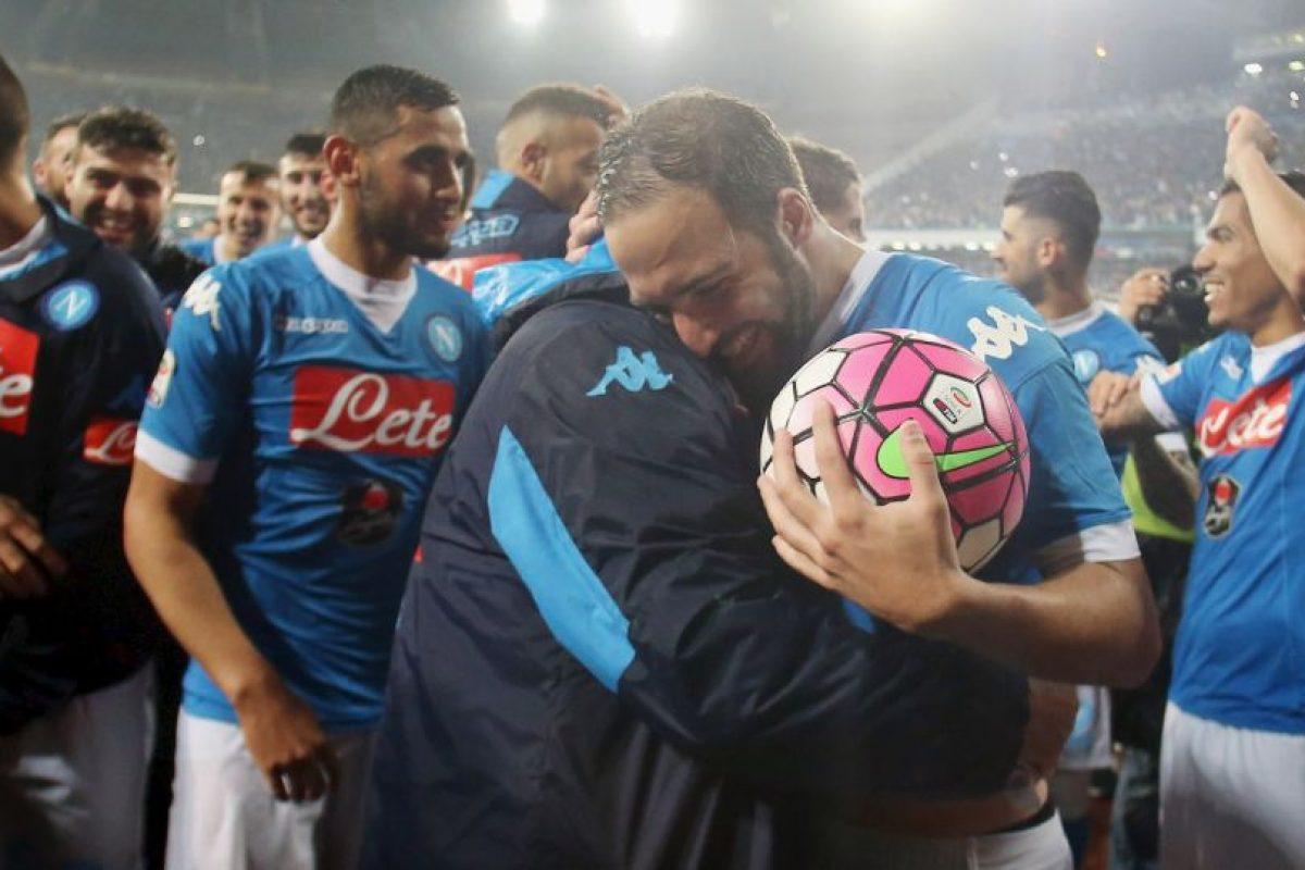 Gonzalo Higuaín llega a Juventus luego del récord que rompió en la temporada 2015/2016, donde marcó 36 goles con Napoli en la Serie A y se convirtió en el máximo anotador histórico en una temporada de la liga italiana, superando los 35 goles que marcó Gunnar Nordahl en 1949/1950 Foto:Getty Images