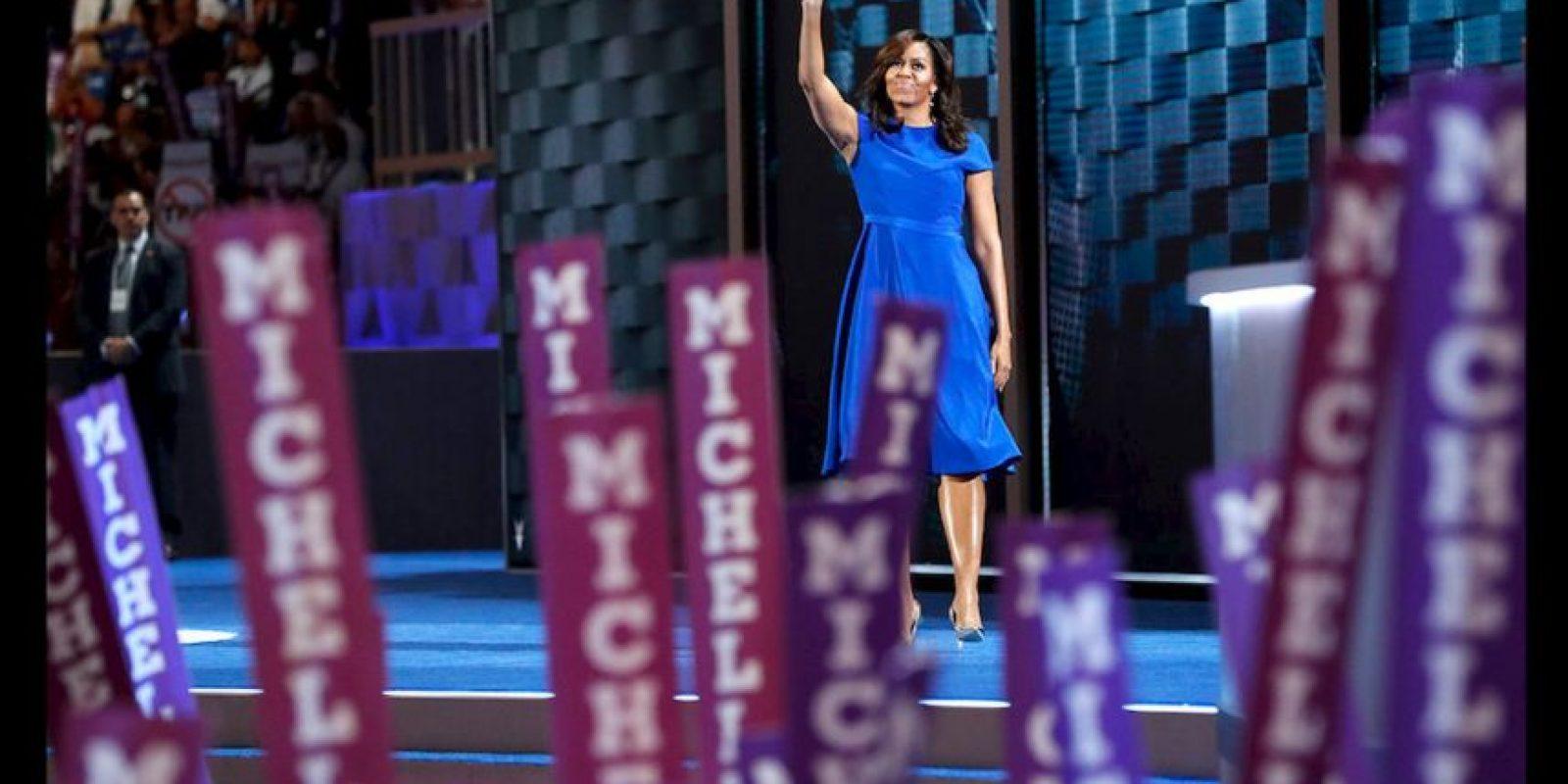 Michelle Obama ofreció un discurso plagado de frases que serán recordadas toda la vida donde enalteció a su esposo, habló del país que trató de formar para sus hijas y las nuevas generaciones y mostró su apoyo a Hillary Clinton. Foto:Getty Images