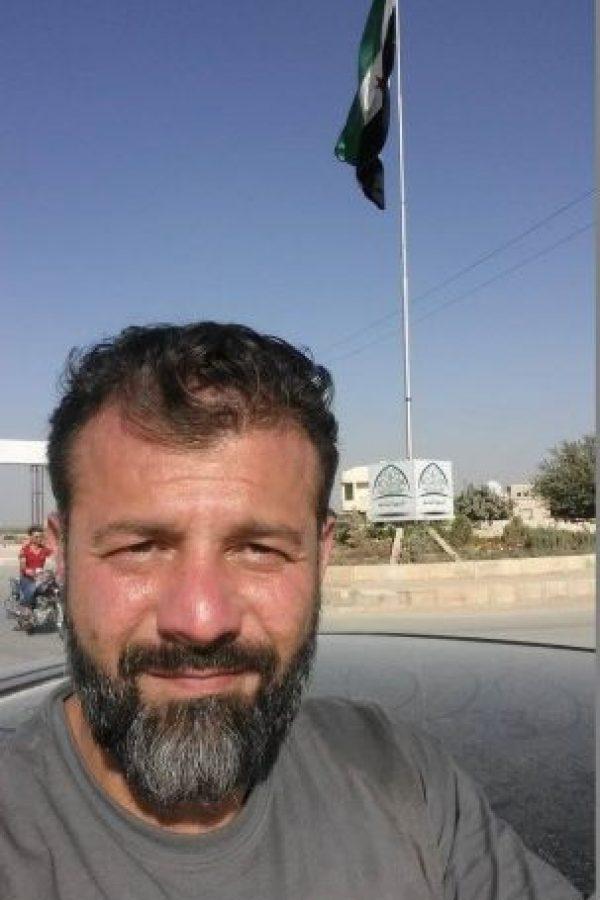 "Él es Rami Adham ""El contrabandista de juguetes"" Foto:Facebook.com/ssyrelief"