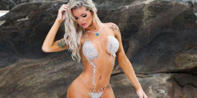 Sexy modelo brasileña con escultural figura esconde algo que no vas a creer