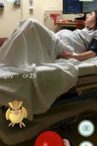 Él atrapaba un Pidgey mientras su mujer daba a luz. Foto:Pokémon Go