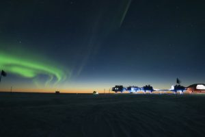 Antarctic Space Station Foto:Richard Inman – Insight Astronomy Photographer of the Year 2016