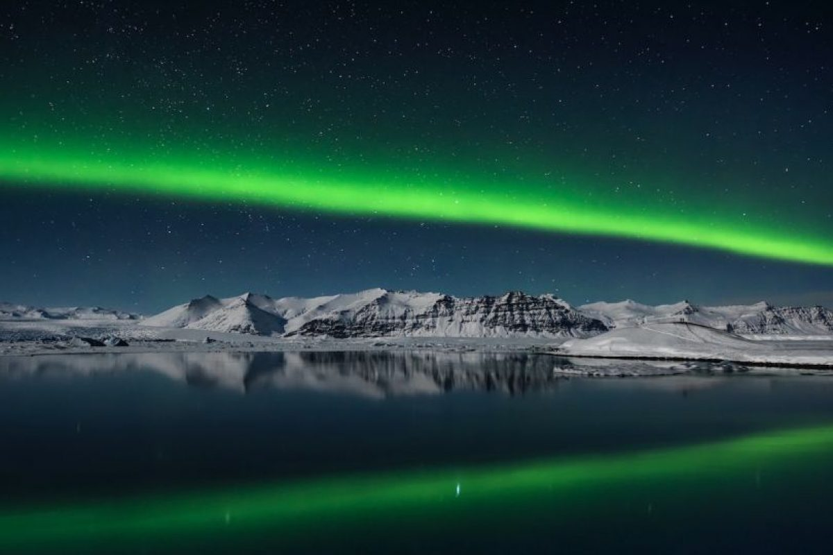 Northern Lights over Jokulsarlon, Iceland Foto:Giles Rocholl – Insight Astronomy Photographer of the Year 2016