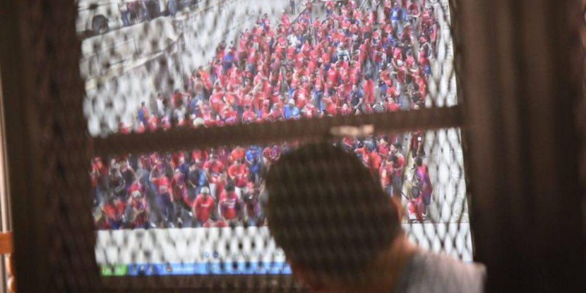 Fiscalía presenta videos y fotografías en juicio por muerte de aficionado crema