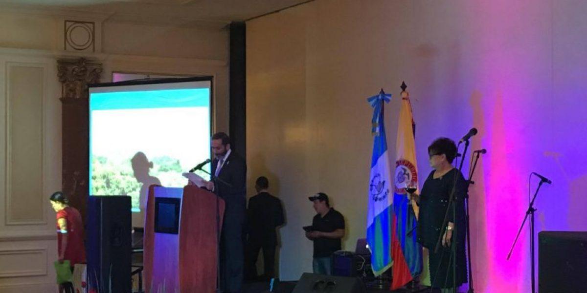 Se reúnen para celebrar la fiesta nacional colombiana en suelo guatemalteco