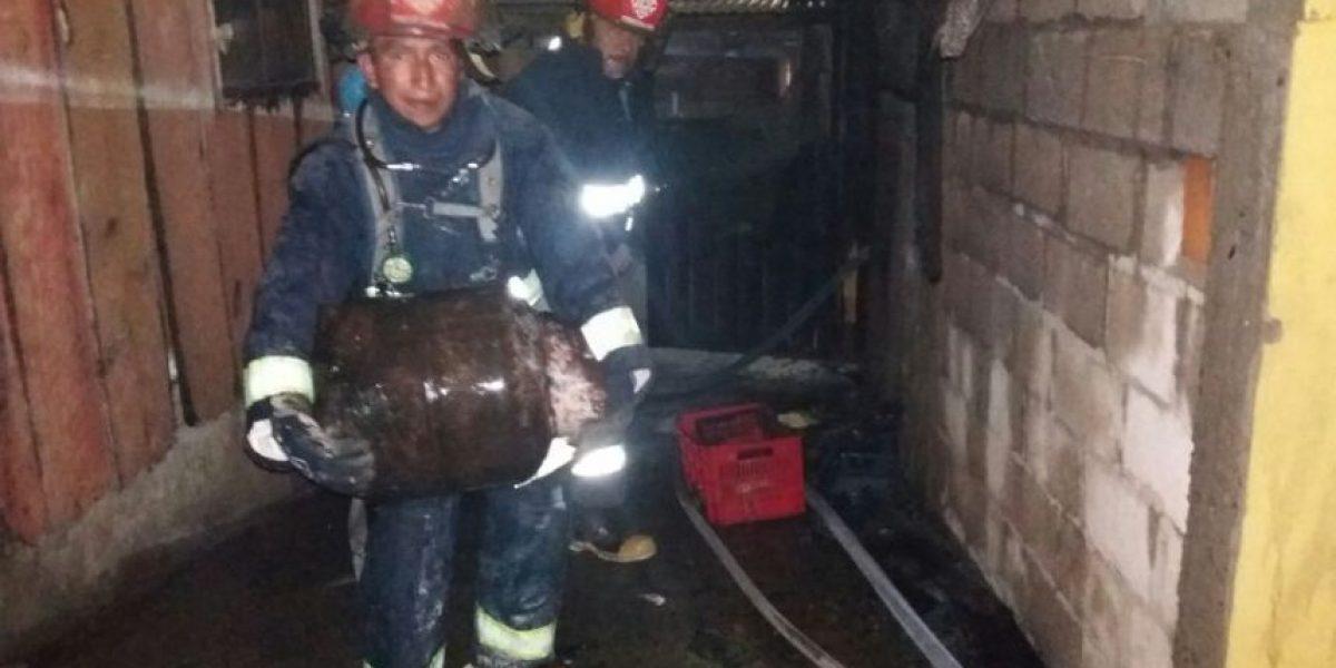 Bomberos evitan que incendio se extienda a una gasolinera en la ruta Interamericana