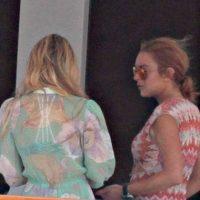 Lindsay Lohan luce una pancita sospechosa Foto:Grosby Group