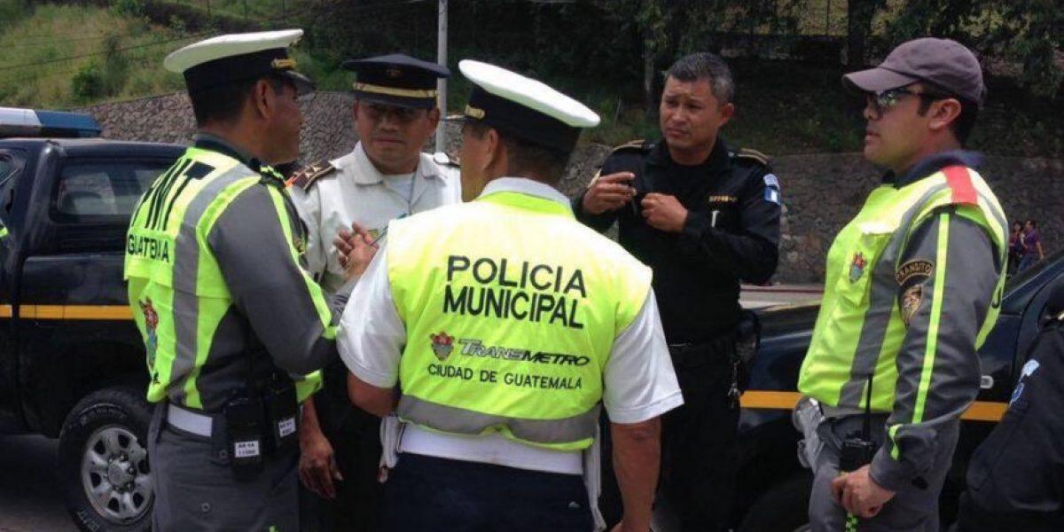 Capturan a agente de tránsito por impedir paso a juez