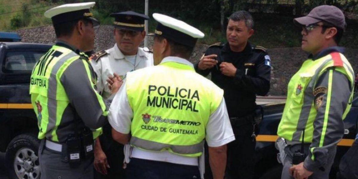 Alcalde paga fianza de agente PMT que impidió el paso de un juez y recupera libertad