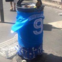 Pero su traspaso fue desaprobado por la afición de Nápoles Foto:Twitter