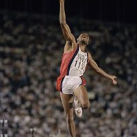 Salto de longitud – Bob Beamon (Estados Unidos). Distancia: 8.90 metros – México 1968 Foto: Getty Images
