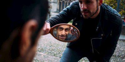 Se dedica a regalar cortes de cabello a vagabundos Foto:Facebook: Joshua Coombes