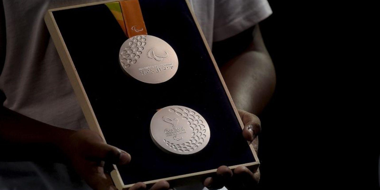 Nelson Carneiro Neto fue el escultor que hizo el molde de las medallas Foto:Getty Images