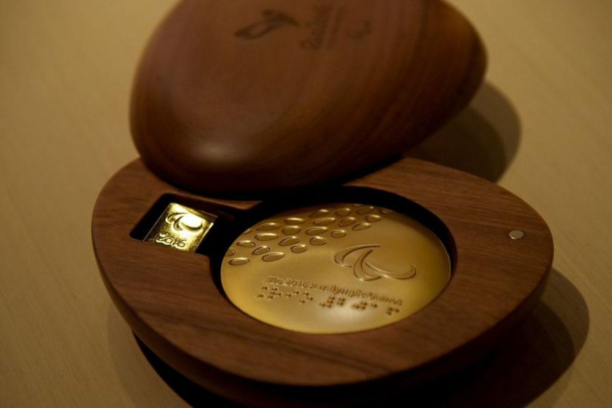 La medalla de oro es hecha con 494 gramos de plata y un baño de oro de seis gramos Foto:Getty Images