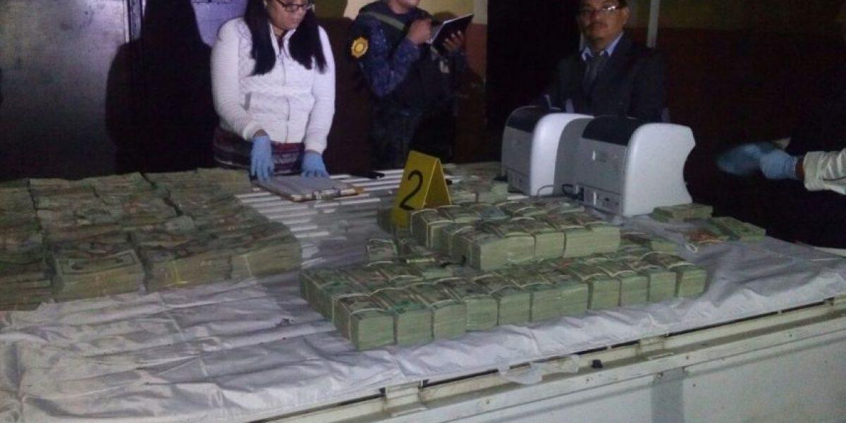 A más de 1 millón de dólares ascendió la cantidad de dólares incautada en San Miguel Petapa