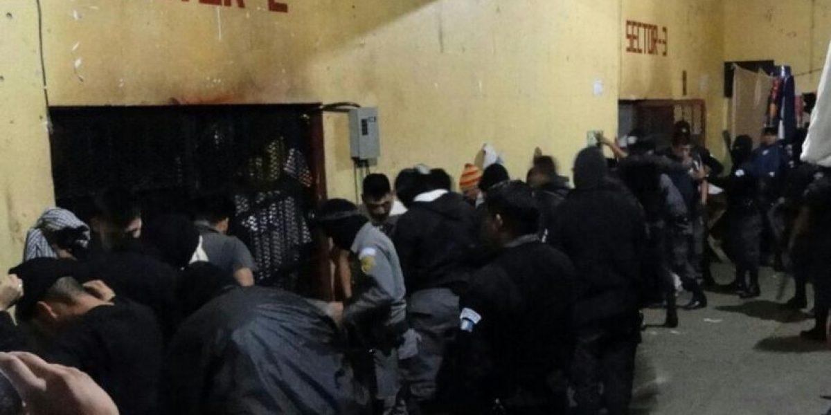 Reos guardaban tres celulares en uno de los sectores de la cárcel de Chimaltenango