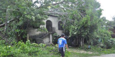 Paso de tormenta Earl deja más de mil afectados, según Conred