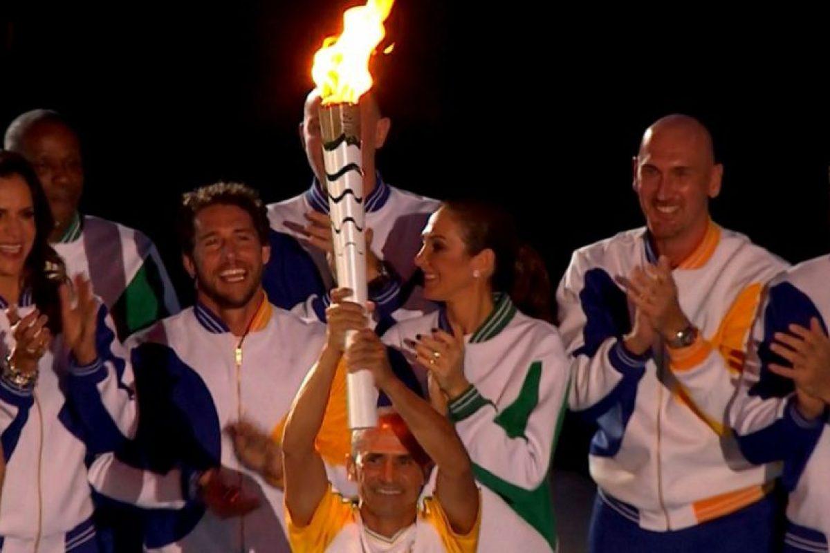 Al final fue Vanderlei Cordero de Lima el encargado de encender el pebetero olímpico Foto:AP