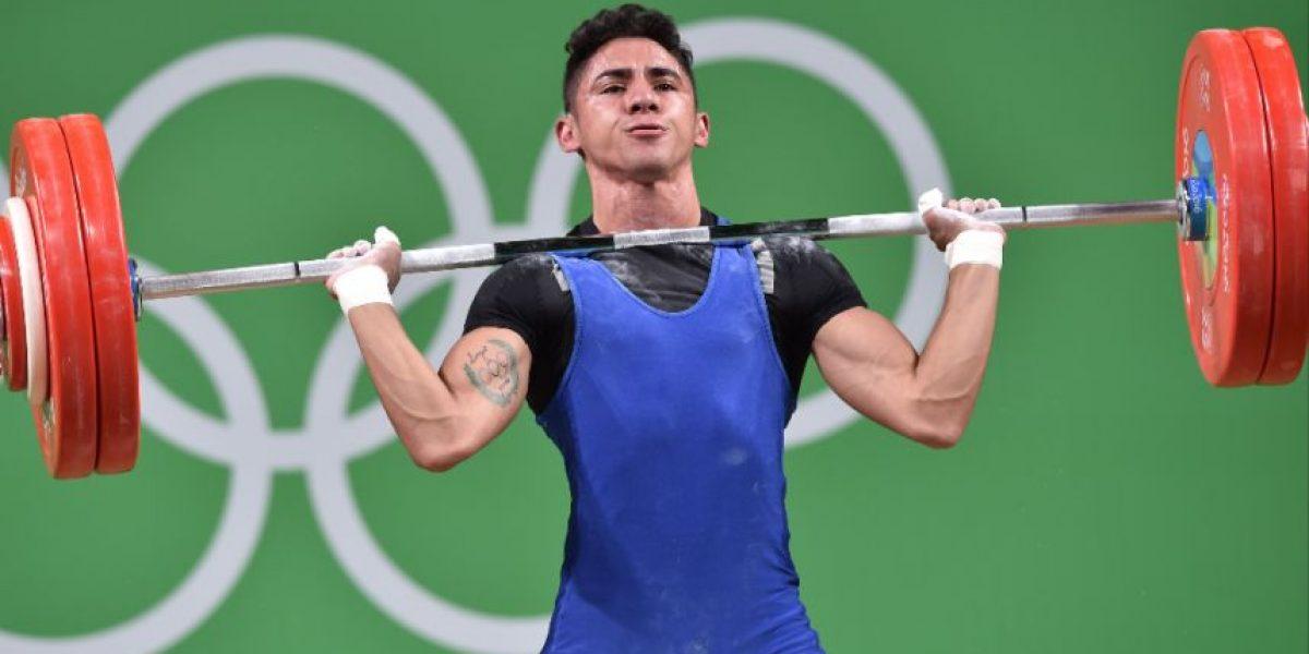 Edgar Pineda se convierte en el mejor nacional en pesas en Juegos Olímpicos