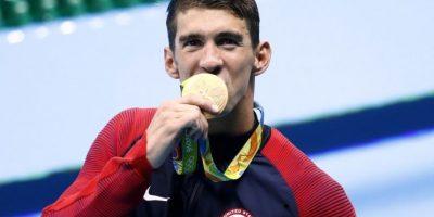 Phelps se cuelga su decimonoveno oro olímpico al ganar en 4x100m libres