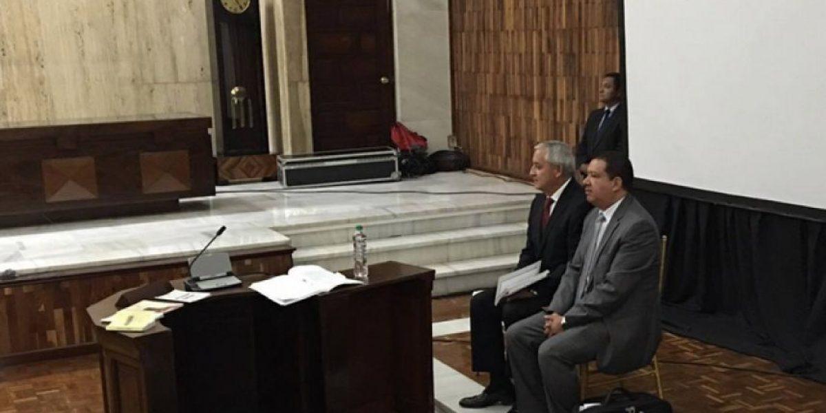 Otto Pérez argumenta por un amparo para solicitar información de sus cuentas bancarias