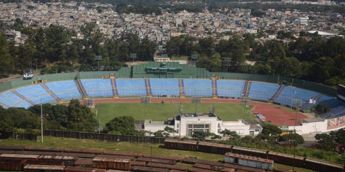 La nueva idea del presidente del Congreso, cambiarle el nombre al estadio Mateo Flores