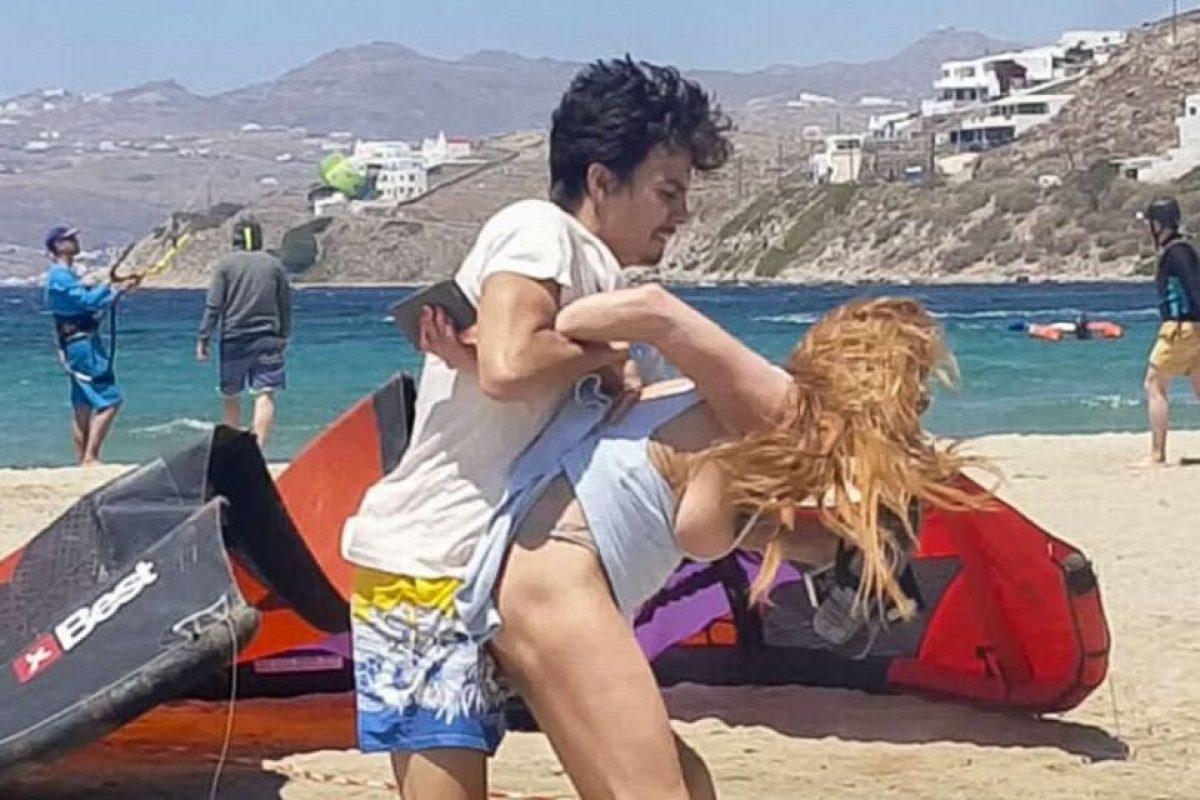 La pareja estaba en Grecia Foto:YouTube