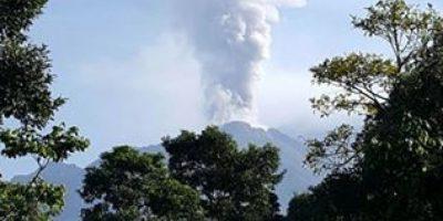 FOTOS. Volcán Santiaguito presenta actividad