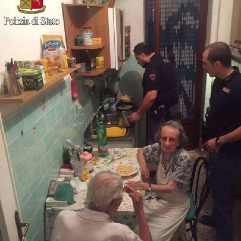 Las imágenes del momento, compartidas por la Policía de Roma Foto:facebook.com/questuradiroma