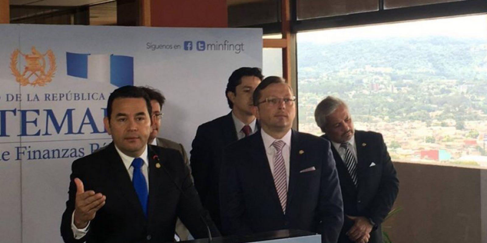 El presidente, Jimmy Morales, se reúne en privado con el ministro de Finanzas. Foto:Amilcar Avila