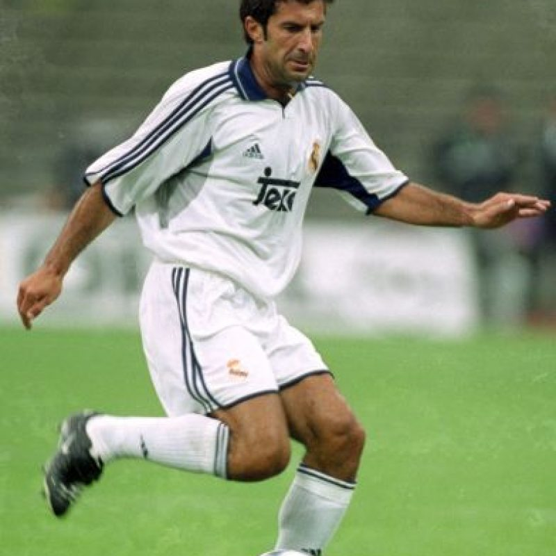 16. Luis Figo. Real Madrid pagó 60 millones de euros al Barcelona en 2000 Foto: Getty Images