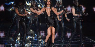 ¡No deja nada a la imaginación! Selena Gomez enloquece paseando sin sostén