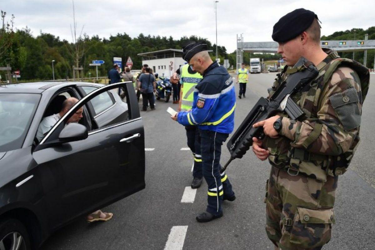 Restringir el movimiento de personas y medios de transporte Foto:AFP