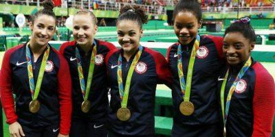 Estados Unidos revalidó el oro en gimnasia artística por equipos. China y Rusia completaron el podio Foto:Getty Images